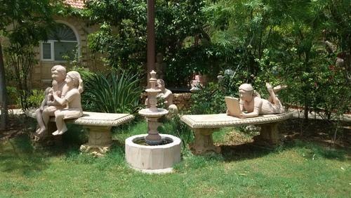Garden Sculptures Natural Sandstone Garden Edging Manufacturer