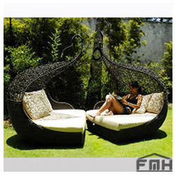 Outdoor Wicker Canopy Bed - Twist. Get Best Quote