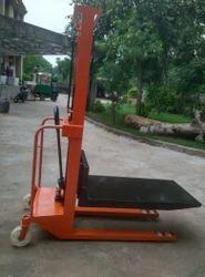 Hydraulic Roll Stacker