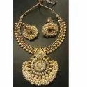 Elegant Round Pendan Necklace Set