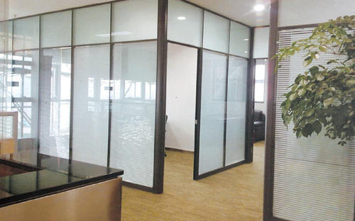 Gypsum Partitions With Glass : Office partition gypsum manufacturer from noida