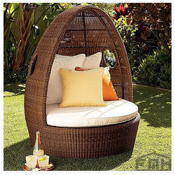 Outdoor Wicker Canopy Bed - Brownie. Get Best Quote & Outdoor Day Beds - Outdoor Patio Beds Manufacturer from New Delhi