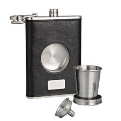 Dizionario Hip Flask with Glass and Funnel Leather Finish