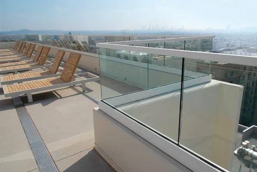 Free Standing Glass Railing