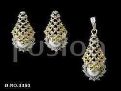 Cubic Zirconia Studded Pearl Pendant Set