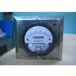 Magnehelic Gauge with S.S. Enclosure