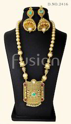 Beaded Traditional Polki Antique Pendant Set
