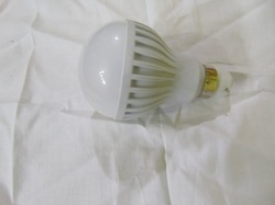 9w LED White Bulb
