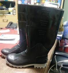 Gum Boot PVC Moulded Black  Color
