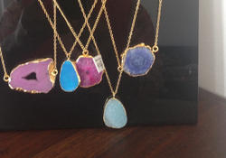 Semi Precious Stones Pendent with Chain