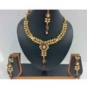 Leafy Look Chain with Long Pendant