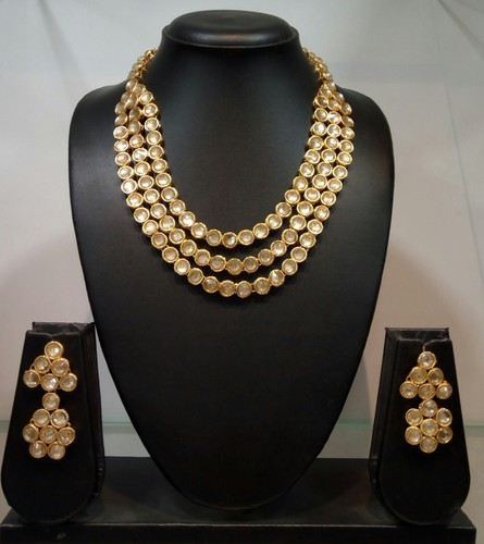 adc7dec0e6feb Traditional Simple Kundan Jewellery Set