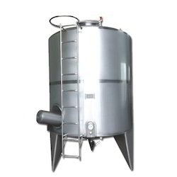 Vertical Milk Storage Tank