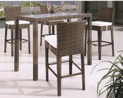 Cobra Style Outdoor Wicker Bar Set