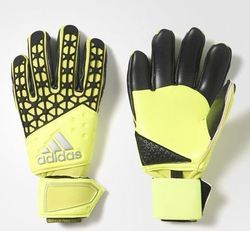 new style 88052 0d53c Goalkeeper Gloves - Retailers in India