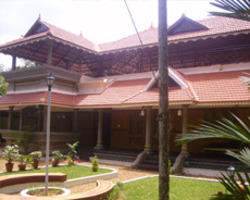 Kerala Traditional Houses Interior in Edappally Toll ... on