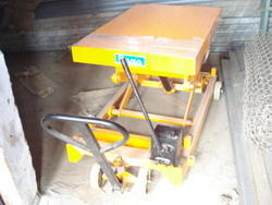 Die Loader - Scissor Type Die Loader Manufacturer from Ghaziabad