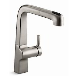 Evoke Single Control Pullout Kitchen Sink Faucet