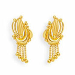 18ct Gold Feather Earring With Golden Balls