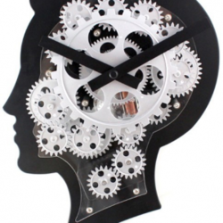 Brain Style Clock With Moving Gears
