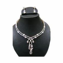 White Anniversary Diamonds Necklace Set
