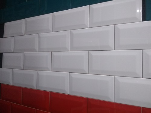 White 4x8 Inch Brick Wall Tile 0 5 Mm Rs 150 Square Feet Mytyles Brand Of Khus Online Solutions Private Limited Id 19675579248