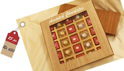 Assorted Chocolates Wooden Box (25pc)