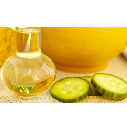 Oil Soluble Extract - Sweet Almond Oil Manufacturer from Daman
