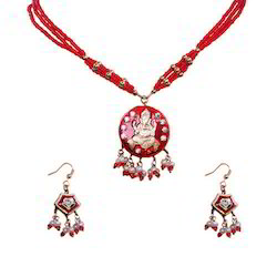 Ethnic Maroon Lacquer Necklace Set 152