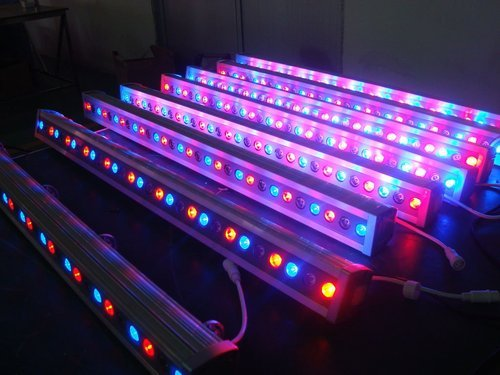 Rgb Led Wall Washer At Rs 3200 Meter Led Wall Washer Light Id 13487783388