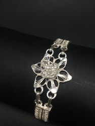 SilverLinings Silver Bracelet For Ladies BG043