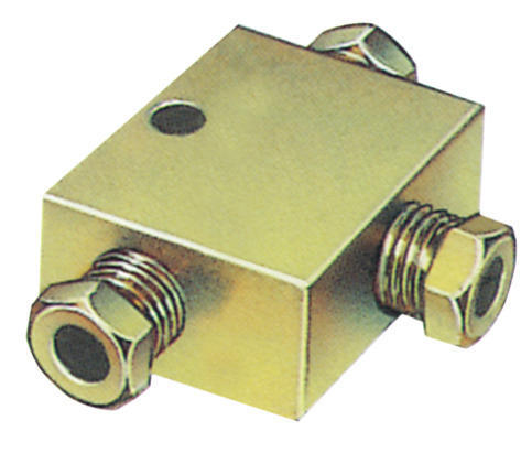 Stainless Steel And Brass Tee Block, Size: 3/4 Inch And 3 Inch