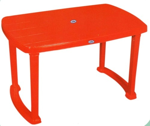 Plastic Folding Table प ल स ट क