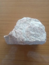Potash Feldspar Lumps, Packaging Size: Loose