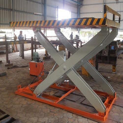 Truck Loading Scissor Lift