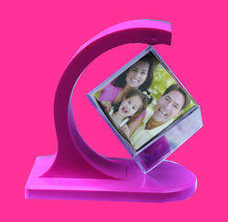 Pink Plastic Revolving Photo Frames, Packaging Type: Box
