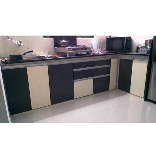 Modular Kitchen With G Handle Profile