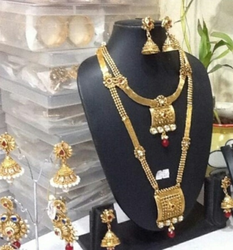 Adroit Studded Designer Semi Bridal Polki Jewellery Necklace Set With Clear Red Stones Engagement & Wedding