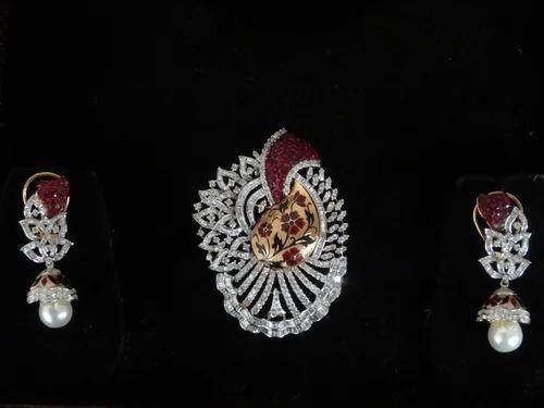 Designer antique gold diamond pendant set agarwal co jaipur designer antique gold diamond pendant set aloadofball Image collections