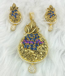 Gold Plated Antique Pendant Set