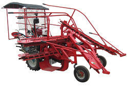 Sugarcane Harvester, Capacity: 4 Tons Per Hour, Mini