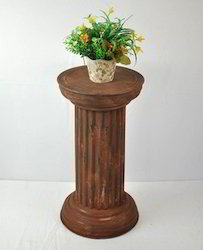Garden Pedestals Brown Coating Metal Pillar Stand Wholesaler
