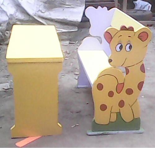 Kid Cartoon Wooden Desk