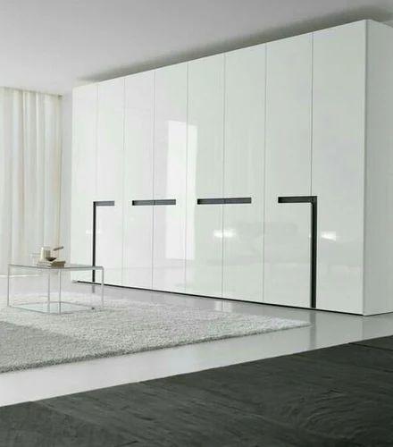 Modern Italian Modular Kitchens Rs 1100 Square Feet: Designer Modular Wardrobe Manufacturer
