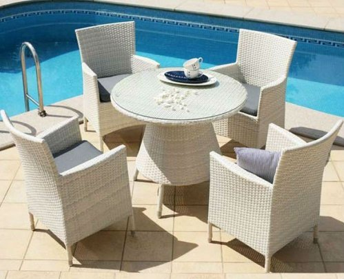 Swimming pool chairs and tables floors doors for Poolside table and chairs