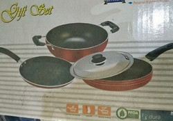 3 Pies Gifts Set Nonstick Cookware