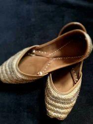 Women Leather punjabi juttis