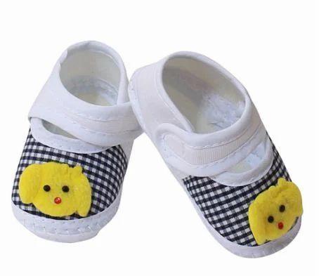 89ec476ad Cute Walk Applique Baby Booties at Rs 299