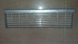 Anti Skid Stair Tread Gratings