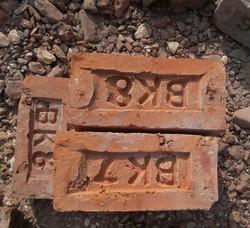 Squre Red Brick, Size: 4x3x9